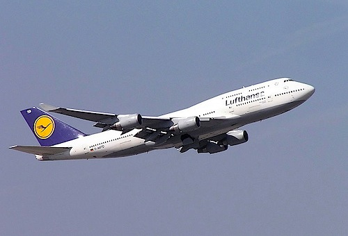 800px-Lufthansa_B747-400_D-ABTD_FRA